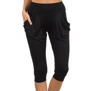 Pants - Final Clearance 🎉 Yelete Black Harem Capri Pants